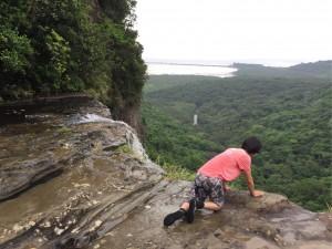 出会いはバラス島、目指すはピナイサーラの滝!