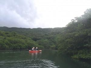 雨雲の下、晴々な西表島