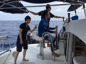ヨット部同期と西表島でセーリング