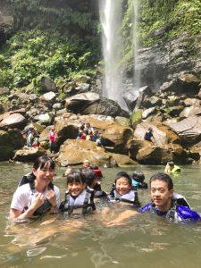 夏休みは子どもがほしくなるのが常、西表島。